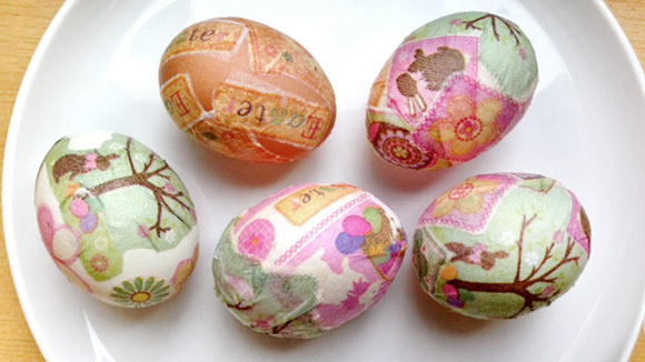 d640d99928a5acd4d1eb100ef3df73b0 decoupage egg easter craft 580x326 featuredImage