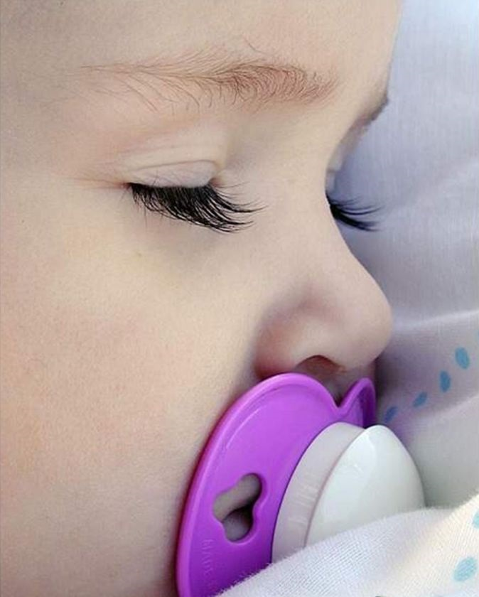---------------------------------------------------------------------------------------------------------------sleeping-baby-pacifier-149381