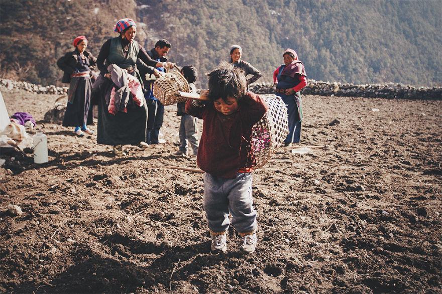 --------------------------------Kids-from-Nepal  880