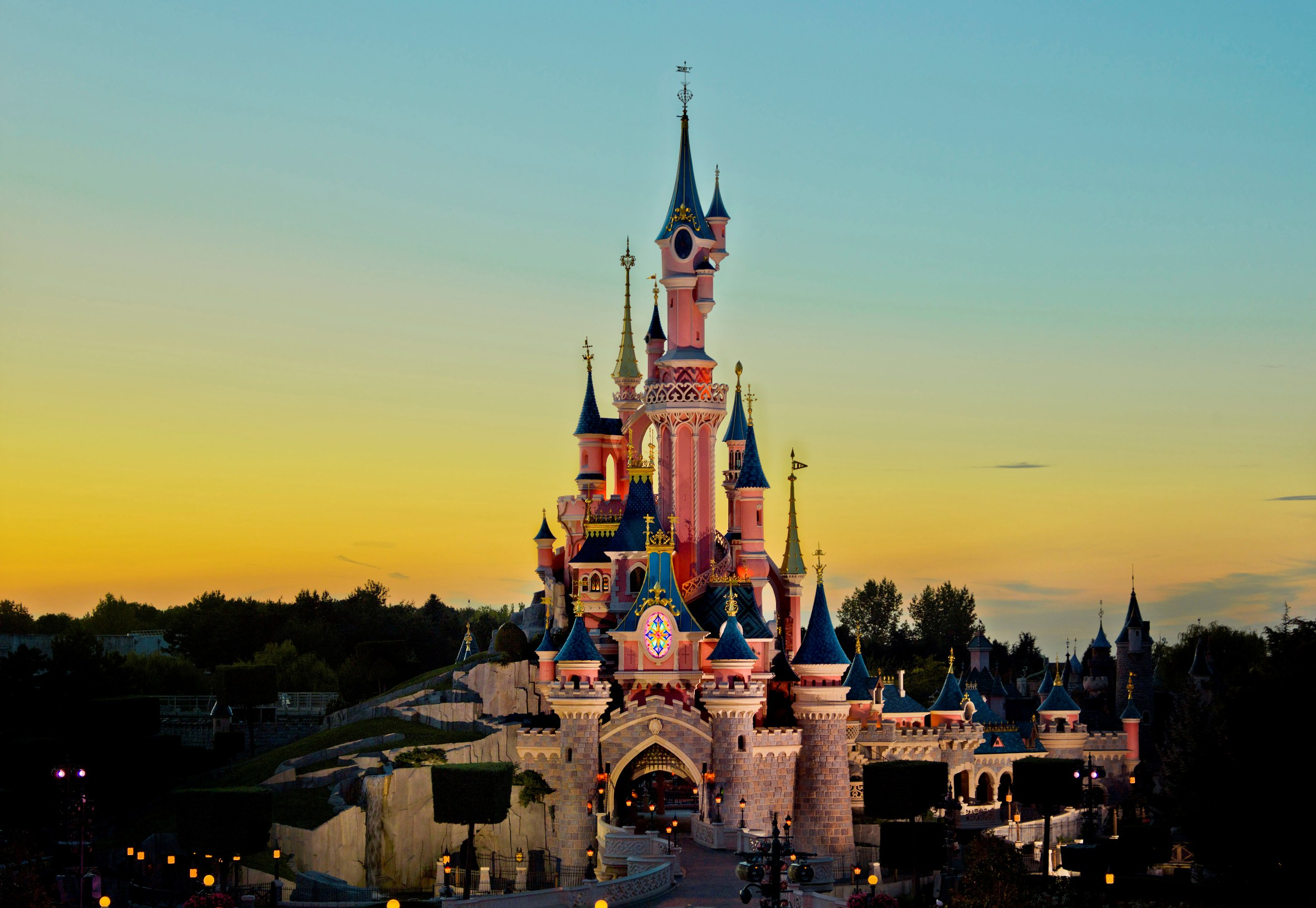 --------------disneyland paris 3