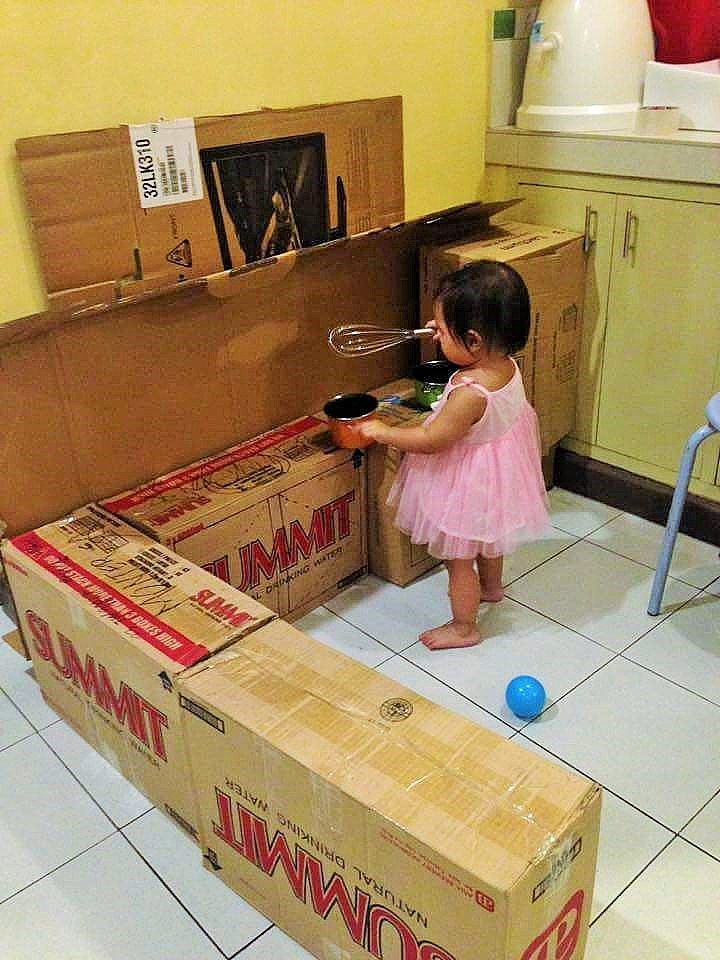 DIY Cardboard Play Kitchen Kids 1