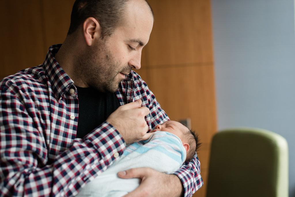 Photos Men Babies 13