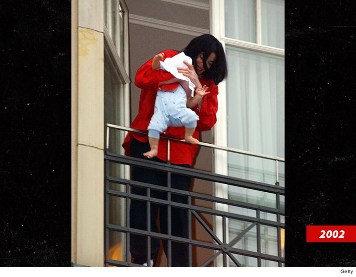 0919 michael jackson blanket getty 6