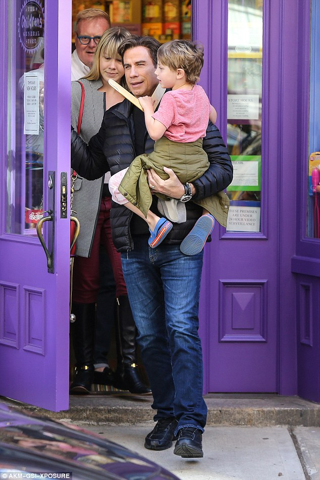 32B7840300000578 3518285 Coming back John Travolta stopped by a toy shop with his son Ben a 13 1459475952929