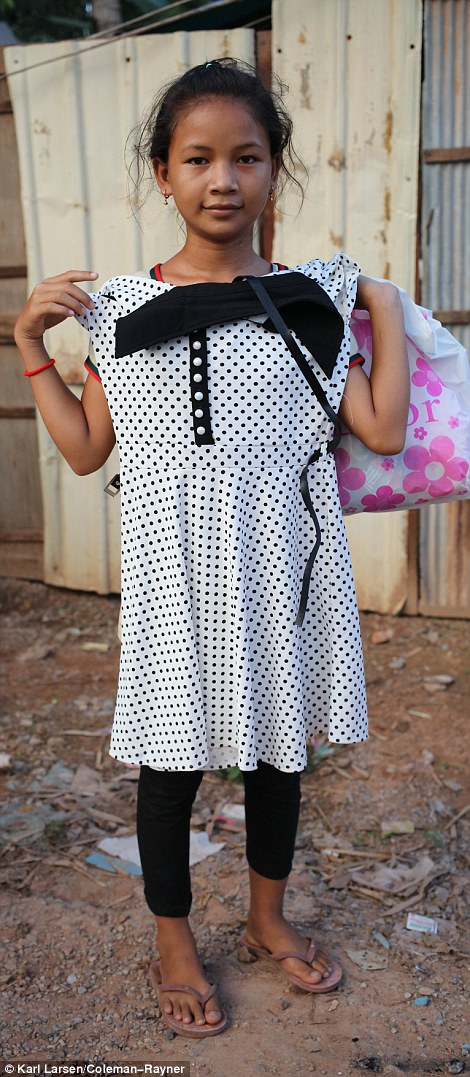 3410776D00000578 3586054 Look what I got One little girl was gifted with a polka dotted d a 14 1463025536235
