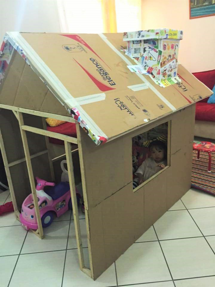 DIY cardboard playhouse 03