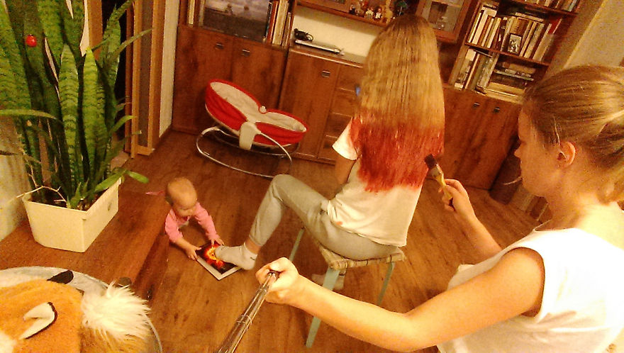 i documented what its like to be a mom with a selfie stick 18 880