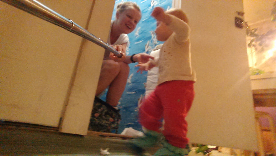 i documented what its like to be a mom with a selfie stick 4 880