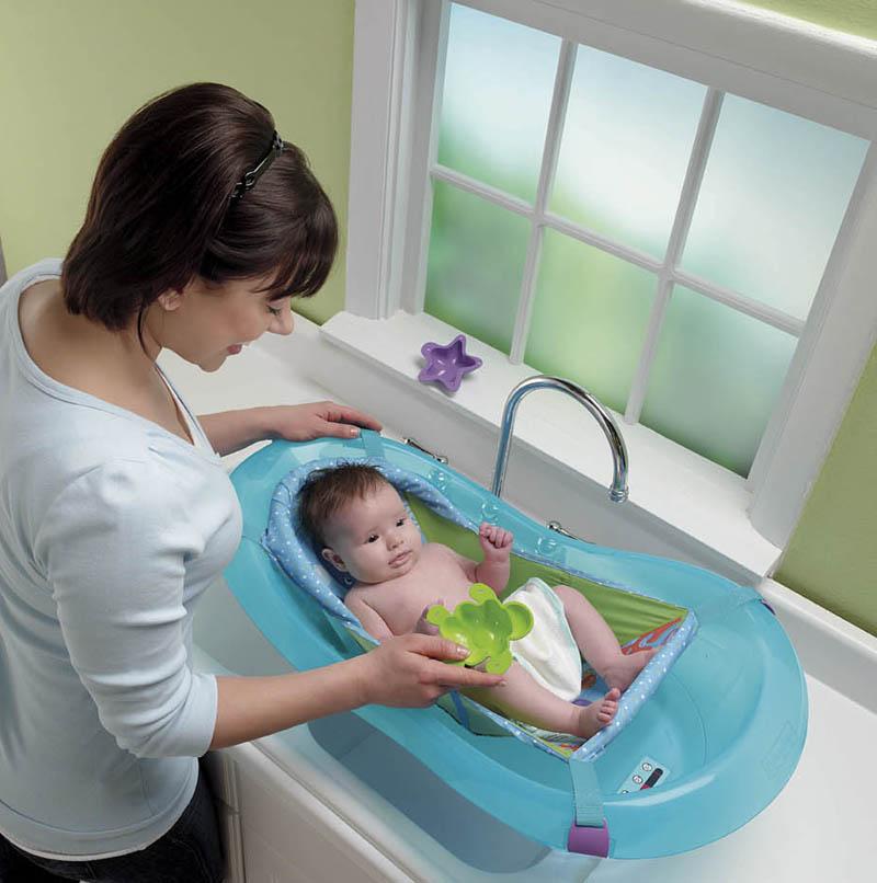 1e989827541 Πώς θα επιλέξετε την παιδική μπανιέρα για το μωρό σας - Mothersblog.gr