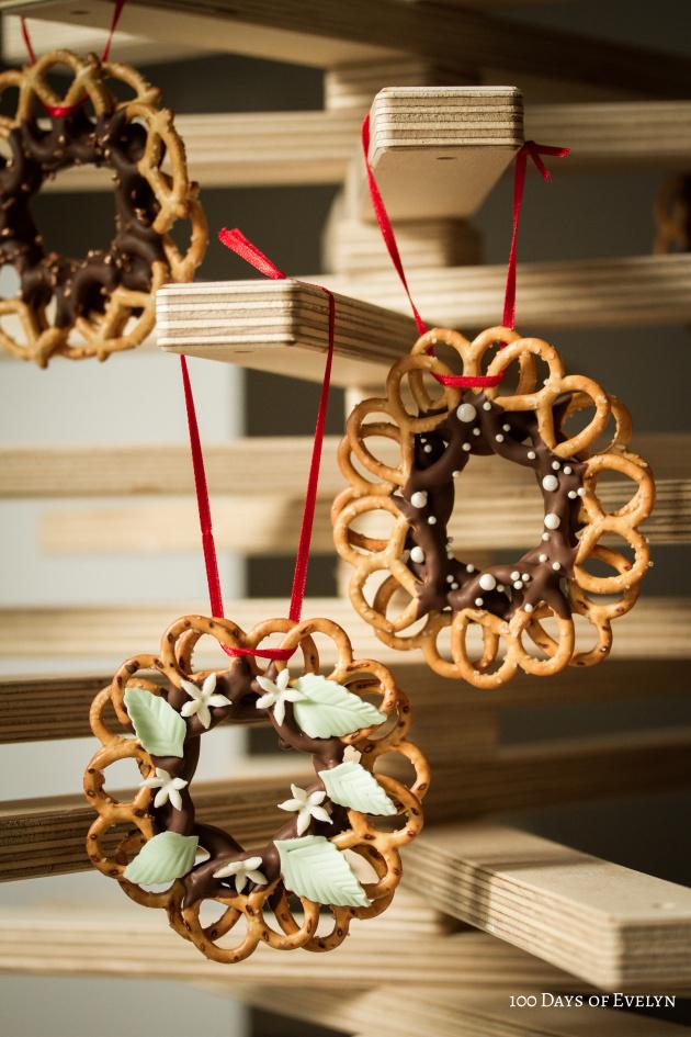 pretzel-wreaths