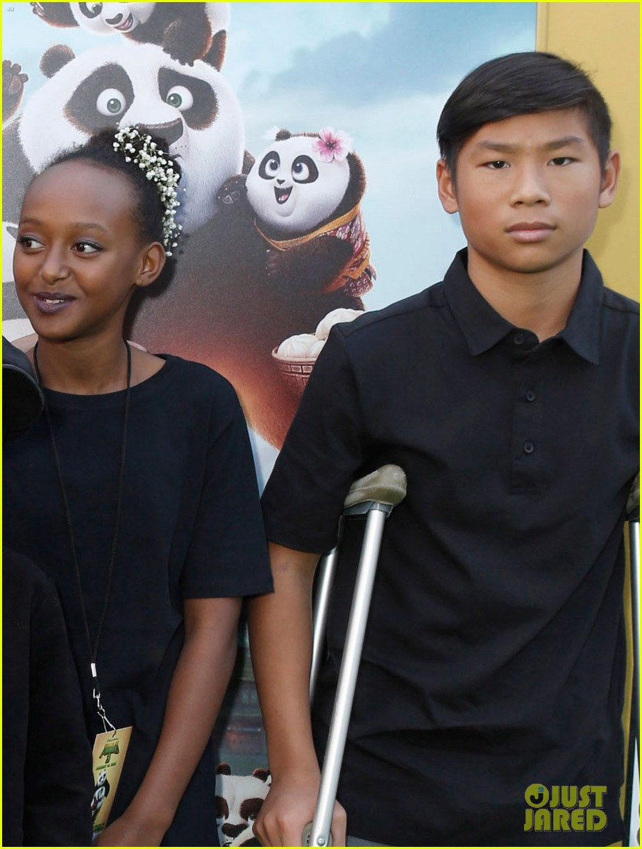angelina jolie brought five of her kids to kung fu panda 3 premiere 05