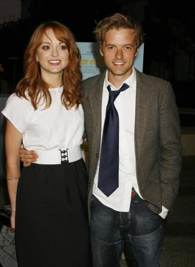 3 jayma mays and adam campbell E2 99 A1 13540986 392 536
