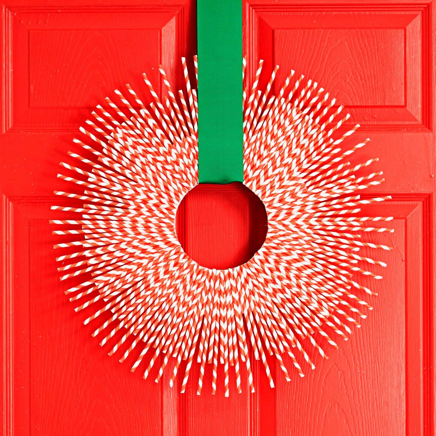 1447871938 candy cane wreath
