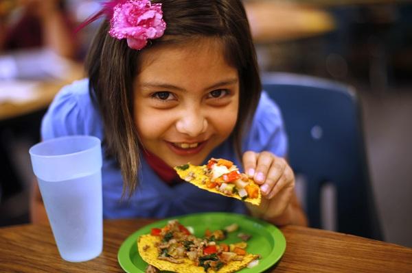 child girl eating