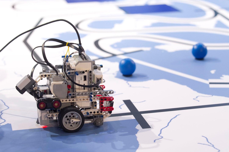 COSMOTE Ekpaideytiki Robotiki 2016 3 3