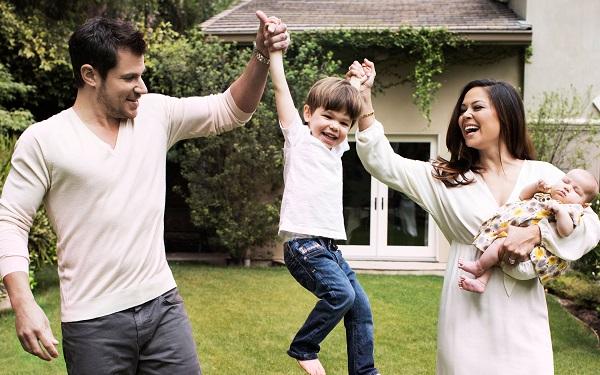Vanessa Lachey Family ftr