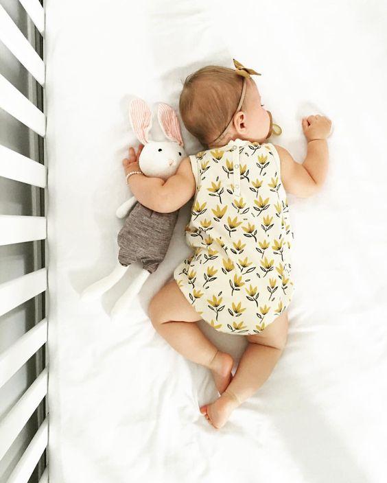 Νεογέννητα μωρά  Τι σημαίνει όταν έχουν λήθαργο ή υπνηλία ... eb52b7f0718