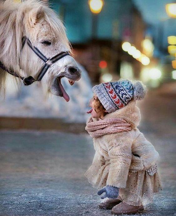 Γιατί ένα παιδί «βγάζει γλώσσα» στους γονείς του  - Mothersblog.gr b92a98f6d90
