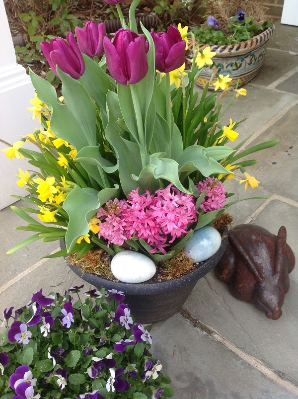 Easter Porch Decor Ideas 3