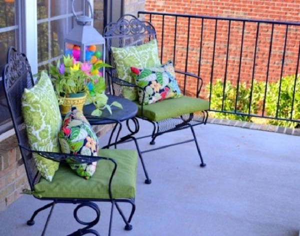 easter porch decor ideas 25