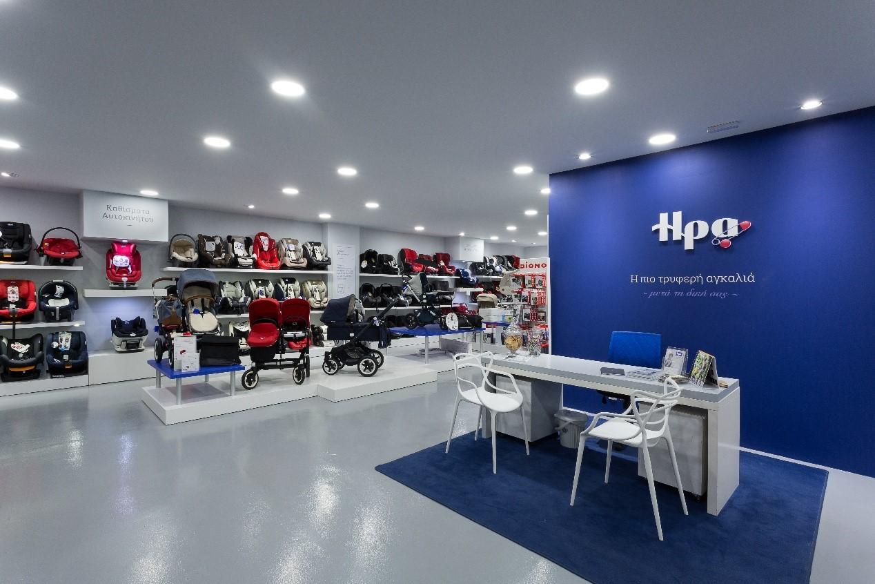 Το flagship κατάστημα του Αλίμου έχει κατασκευαστεί με προδιαγραφές βάσει  της νέας φιλοσοφίας της εταιρείας για τη διαμόρφωση του χώρου και την σωστή  ... f6850a17015