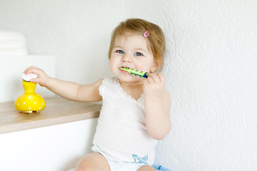 Πρώτα δόντια μωρού 1