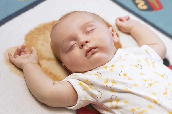 c9880f2227e Πρώτες μέρες με το μωρό στο σπίτι: Ολα όσα πρέπει να γνωρίζετε ...