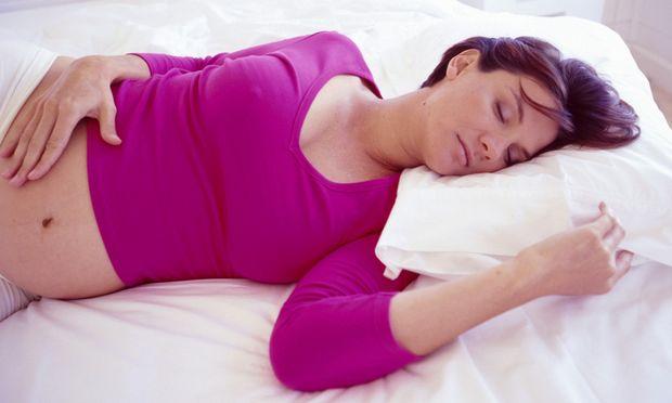 Η καλύτερη θέση ύπνου για τις εγκύους!