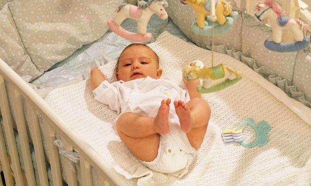 Τα μυστικά για να επιλέξετε τη σωστή κούνια για το μωρό σας