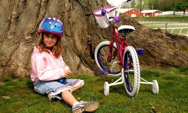 Το παιδί μου μαθαίνει ποδήλατο