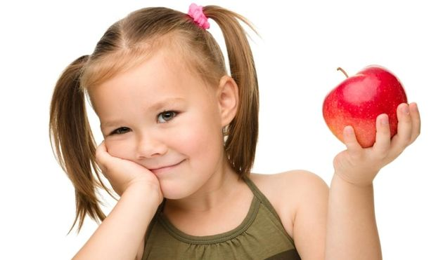 Πώς να πείσετε τα παιδιά σας να τρώνε μήλα