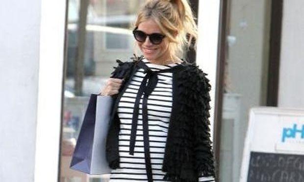 Το στιλ της Sienna Miller δεν χάνεται ούτε με την εγκυμοσύνη