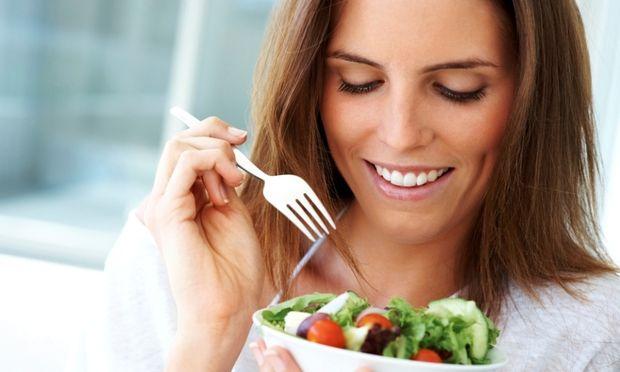 Τι πρέπει να τρως για να μείνεις έγκυος;