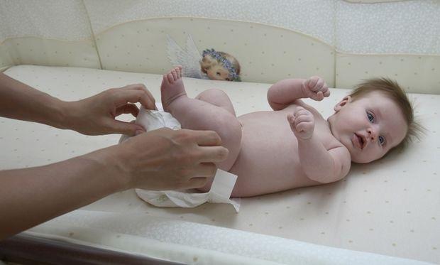 Κάθε πότε πρέπει να αλλάζετε πάνα στο μωρό σας