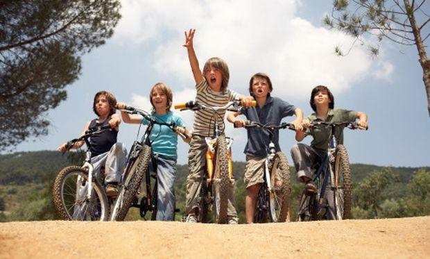 Υπαίθριο πάρτι με ποδήλατα για αγοράκια!