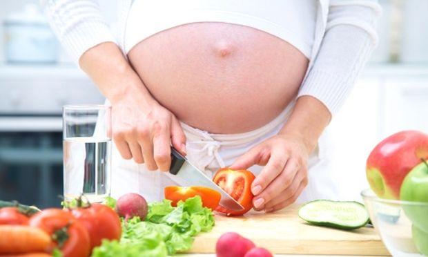 Εγκυμοσύνη και δυσκοιλιότητα – Πώς αντιμετωπίζεται