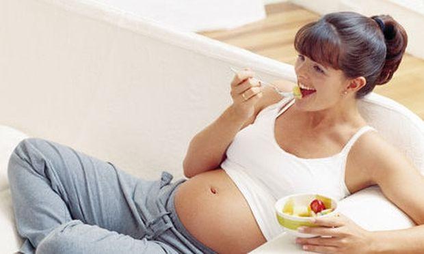 Φαγητά που πρέπει να αποφεύγετε στην εγκυμοσύνη