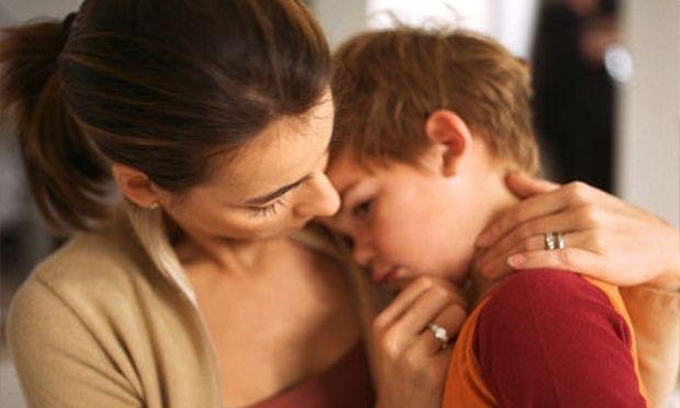 Πώς να αντιμετωπίσει το παιδί σας μια πολύ δυσάρεστη είδηση