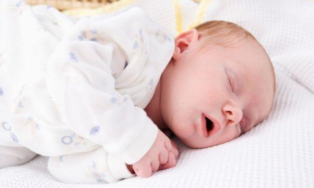 4 tips για τον ύπνο του νεογέννητου μωρού σας χωρίς κινδύνους