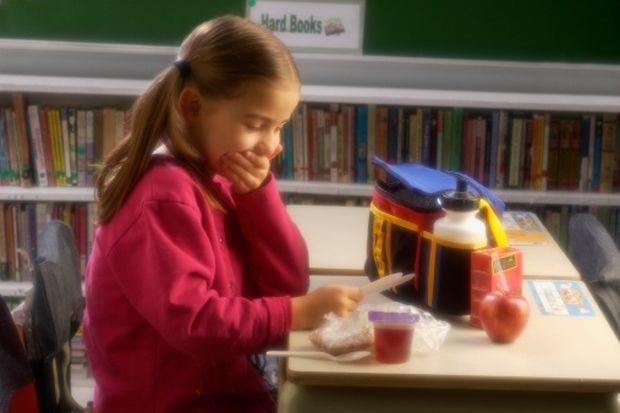 Τι πρέπει να τρώει το παιδί μου στο διάλειμμα του σχολείου;
