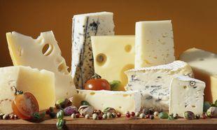 Το λευκό ή το κίτρινο τυρί έχει περισσότερο ασβέστιο για το παιδί μου;