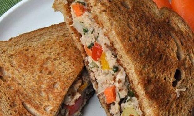 Σάντουιτς με τόνο
