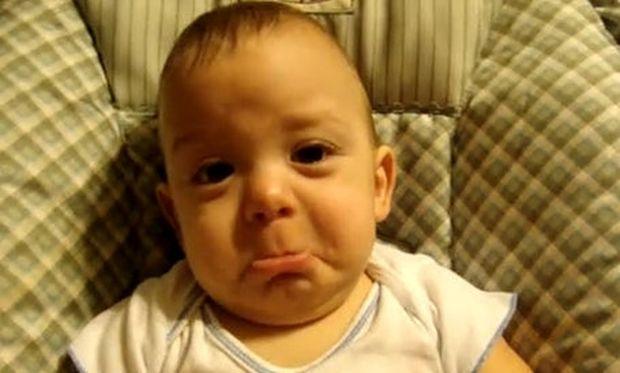 Μωρό βάζει τα κλάματα λόγω... θορύβων!