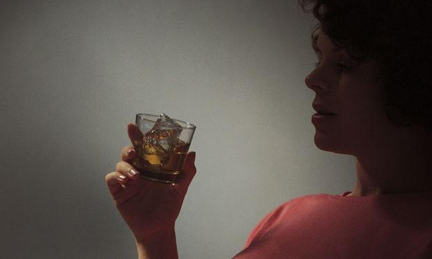 Οι κίνδυνοι όταν καταναλώνουμε αλκοόλ κατά την εγκυμοσύνη