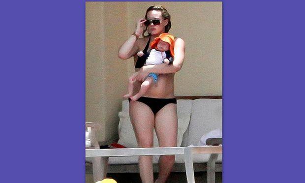 Hilary Duff: Προχωρά με yoga και pilates