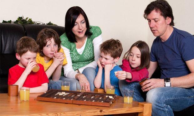Οργανώστε ένα πάρτι μόνο για την οικογένεια