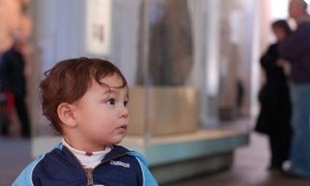 Πηγαίνετε το παιδί σας σε ένα μουσείο, όσο μικρό και να είναι!