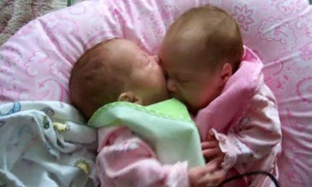 Απίθανο Βίντεο: Μην τρως την αδελφή σου!