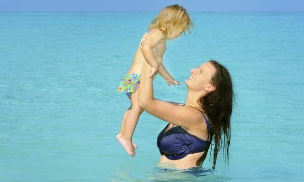 Προστατέψτε το παιδί σας από τη ζέστη του καλοκαιριού