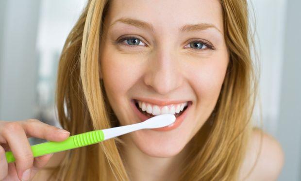 Προστατέψτε τα δόντια και τα ούλα σας κατά τη διάρκεια της εγκυμοσύνης σας